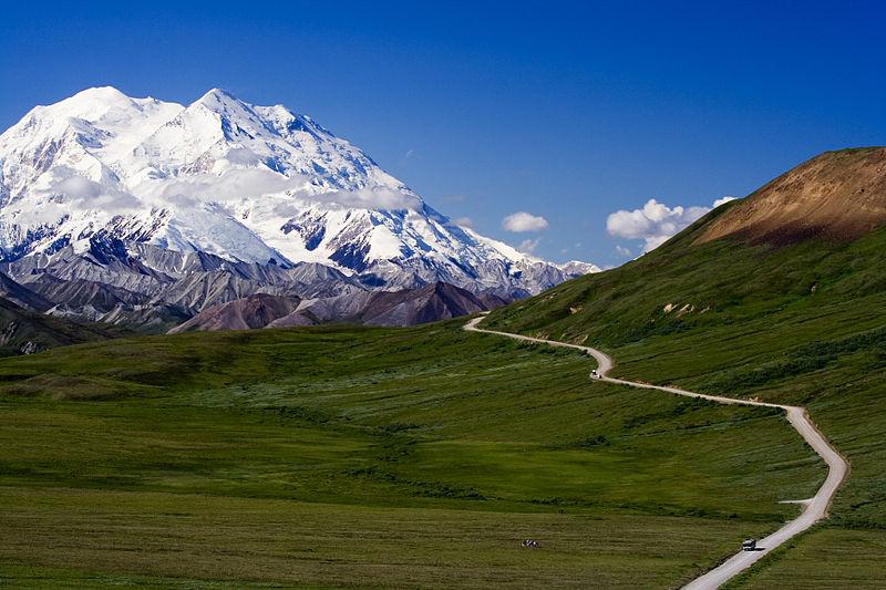 800px-Mount_McKinley_Alaska.jpg